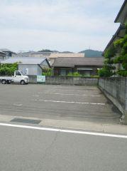 横田城南駐車場