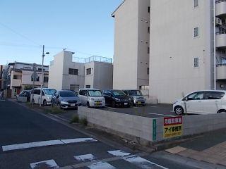 真屋駐車場