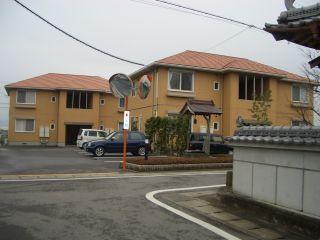 板野郡上板町西分 2LDKアパート