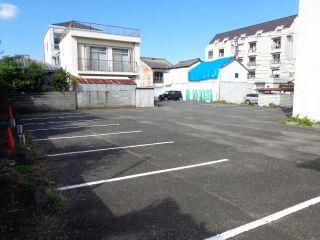 徳島市佐古七番町 駐車場
