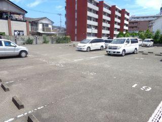徳島市東吉野町 駐車場